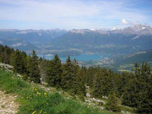Découvrir le massif de la Semnoz en été